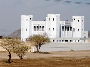 2007_4_5_Desert_castle_housing_development_____files_shapeimage_2.png